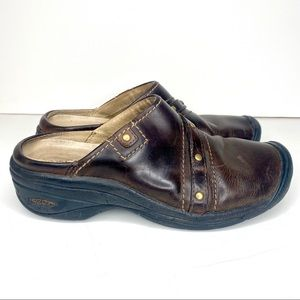 KEEN Chester Brown Oiled Slides Clogs